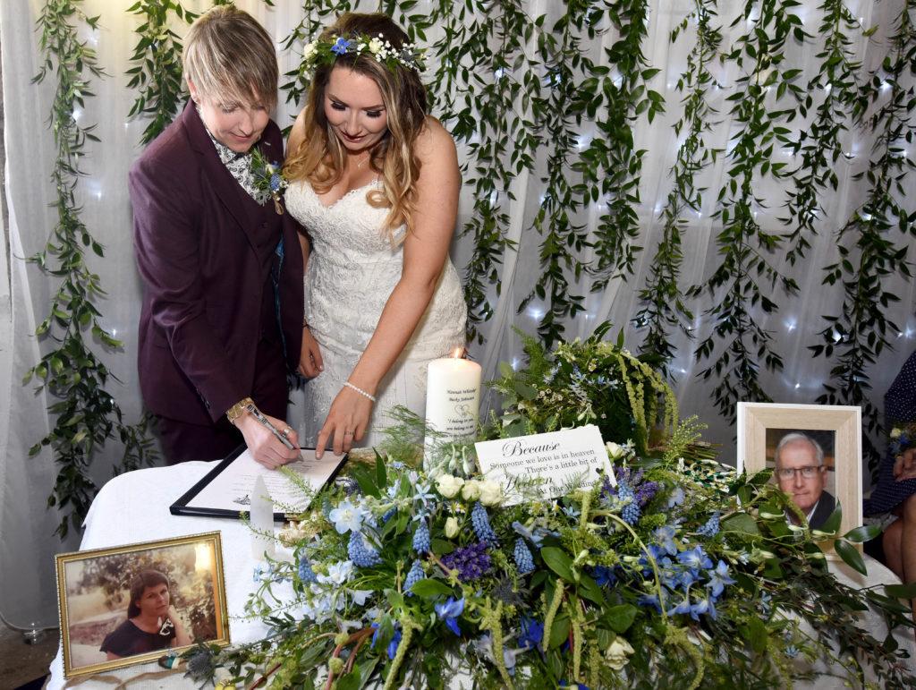Wedding Celebrant Service - Joolz Stewart - Ravens Retreat 10